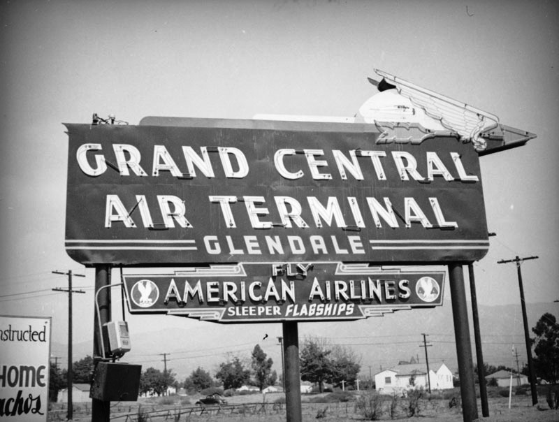 A wonderful shot of Glendale's neon GRAND CENTRAL AIR TERMINAL sign, c. 1937. (LAPL/Herman J.. Schultheis Collection