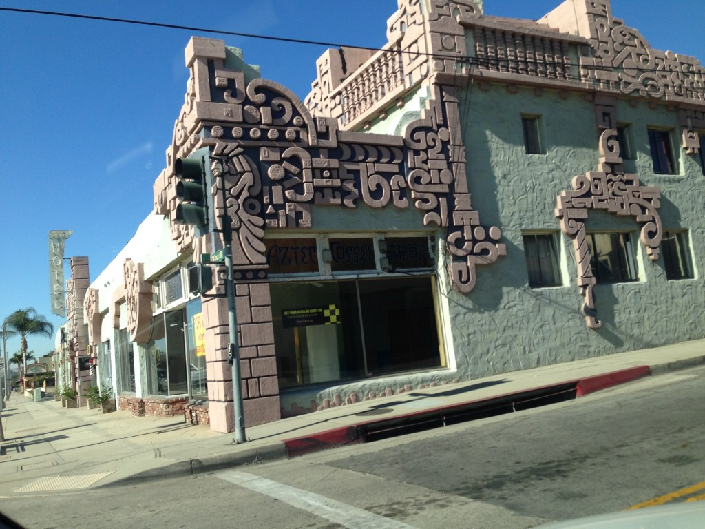 Aztec's corner coffee shop. (Photo Credit L1OTB)
